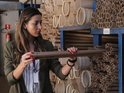 Pâmela Andrade, que administra com sua família uma loja de construção em Palotina, fala da dificuldade para atender a demanda dos clientes.