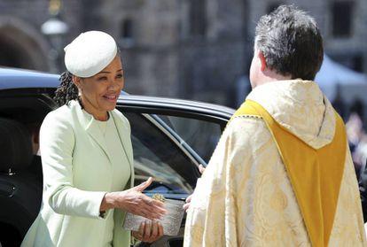 Doria Ragland, ao chegar no Castelo de Windsor.