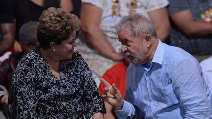 Dilma Rousseff e Lula em campanha em 20 de outubro.