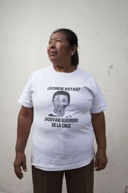 Martina de la Cruz, mãe do normalista desaparecido Jhosivani Guerrero de la Cruz.