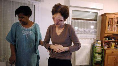 Chantal Sébire (d), doente com um câncer irreversível, suicidou-se em 2008.