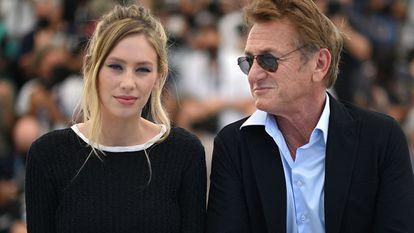 Sean Penn dirige a filha Dylan no drama 'Flag day'.