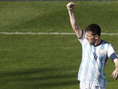 Messi comemora seu gol.