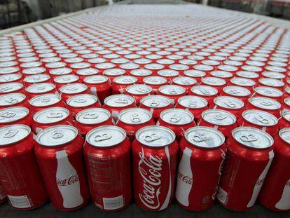 Latas de Coca-Cola.