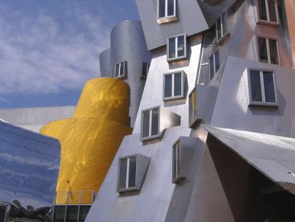 O Stata Center, no Massachusetts Institute of Technology, obra de Frank Gehry.