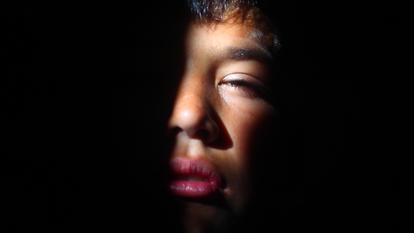 Fotograma de 'Lluvia de Jaulas', do diretor César González.