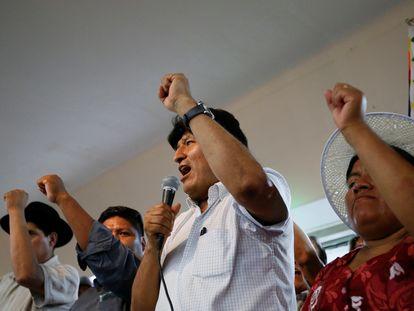 O ex-presidente da Bolívia, Evo Morales, durante entrevista coletiva em Buenos Aires em que anunciou seu ex-ministro Luis Arce como candidato à presidência.