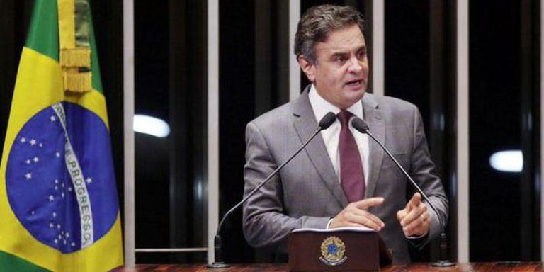 Aécio Neves discursa no retorno ao Senado após a eleição.