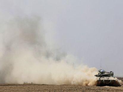 Um tanque de Israel, próximo à fronteira de Gaza.