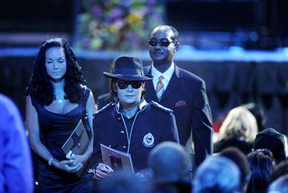 Corey Feldman, que foi amigo pessoal de Michael Jackson, no funeral do cantor, em 2009.