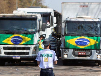 Protesto de caminhoneiros na Esplanada, em Brasília, neste 9 de setembro.
