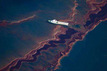 Derramamento de petróleo no golfo do México depois da explosão da plataforma 'Deepwater Horizon'.