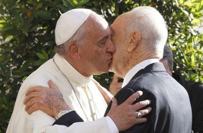 O Papa recebe o presidente Shimon Peres hoje.