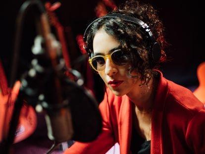 A cantora Marisa Monte em uma imagem promocional do seu novo disco, 'Portas'