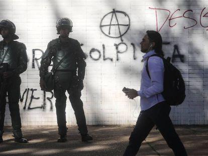 Soldados patrulham a Esplanada dos Ministérios no dia 25 de maio.
