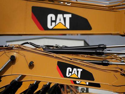 Máquinas da companhia de equipamento Caterpillar