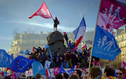 Manifestação contra a Lei da Família do Governo francês.