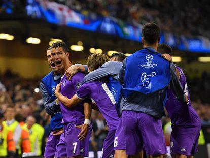 Cristiano Ronaldo festeja seu segundo gol contra a Juve.