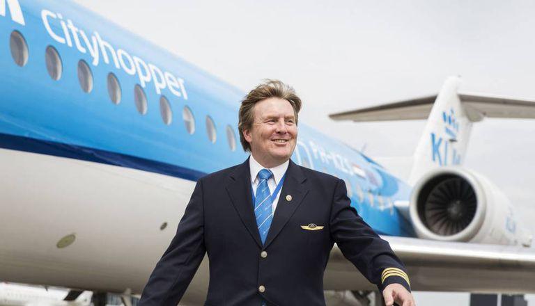 O rei Willem da Holanda com o uniforme da KLM.