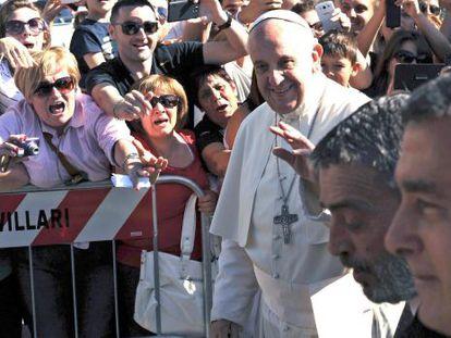 Francisco, a sua chegada ao presídio de Castrovillari.