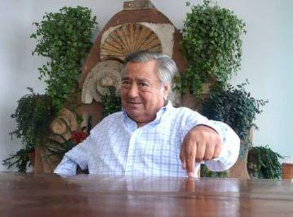 Belarmino Fernández, fundador da rede de restaurantes Rubaiyat em sua casa, em São Paulo, em 2011.