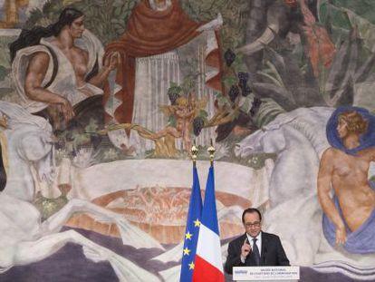 François Hollande no Museu da História da Imigração, em Paris.