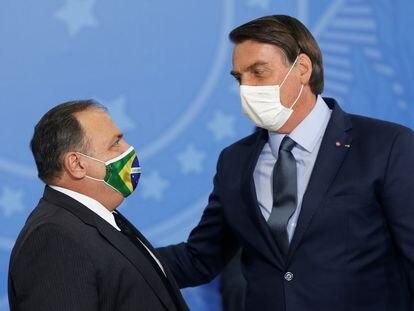 Ministro da saúde, Eduardo Pazuello, ao lado do presidente Bolsonaro.