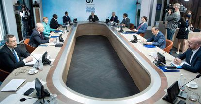 Reunião de trabalho dos líderes do G7 neste domingo, durante a cúpula realizada na Carnualha, Reino Unido.