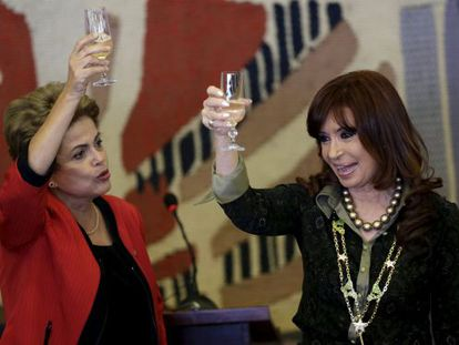 Dilma Rousseff e Cristina Kirchner na cúpula do Mercosul.