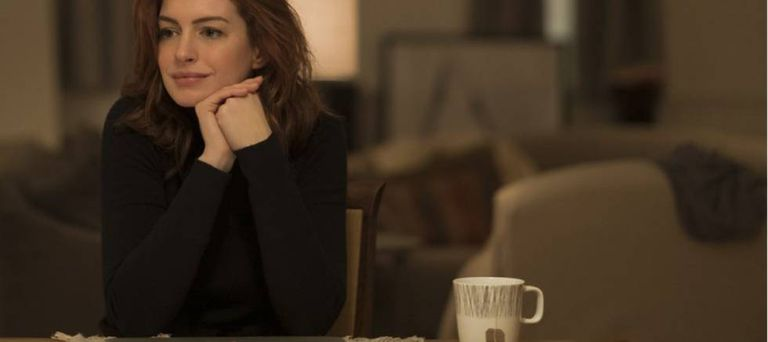Anne Hathaway em seu capítulo de 'Modern Love', que explora a bipolaridade.