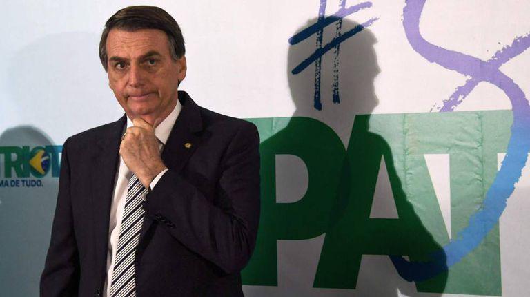 Bolsonaro na coletiva de imprensa onde anunciou que tem a intenção de concorrer à presidência.