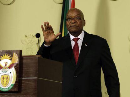 O presidente da África do Sul, Jacob Zuma, anuncia sua renúncia.