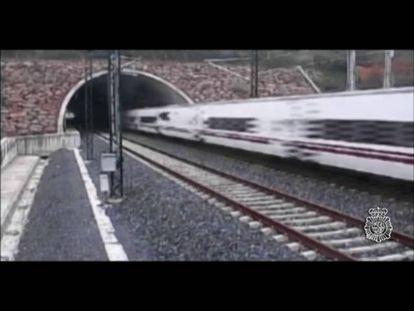 A Polícia Científica reconstrói o acidente com um trem em Santiago de Compostela