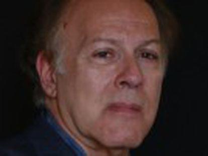 O romancista Javier Marías, autor de 'Assim Começa o Mal', que acaba de ser lançado no Brasil, completa 64 anos e se diz irritado