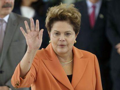 Dilma após discurso nesta sexta em Brasília.