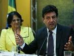 A ministra da Mulher, da Família e dos Direitos Humanos, Damares Alves e o ministro da Saúde, Luiz Henrique Mandetta, durante lançamento da campanha de valorização da vida e de combate à depressão