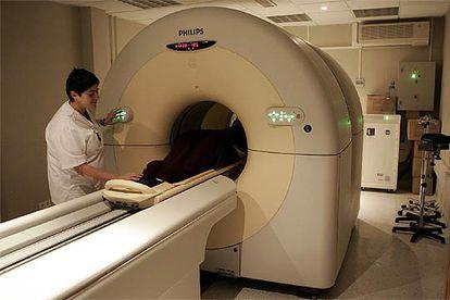 Exame de PET-TC (tomografia por emissão de pósitrons) é um dos métodos usados para localizar tumores