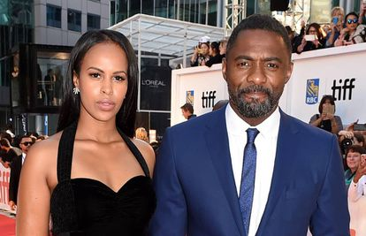 Idris Elba e sua noiva, Sabrina Dhowre, no Festival de Toronto em 2017.