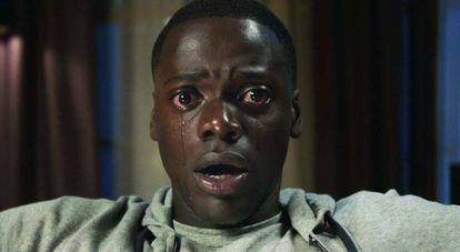 Cena do filme 'Corra!', que retrata aspectos do racismo.
