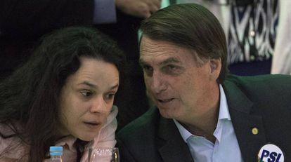 Janaína Pachoal e Jair Bolsonaro, na convenção do PSL.