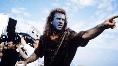 Mel Gibson, durante a filmagem de 'Coração Valente', filme que dirigiu e protagonizou em 1995.