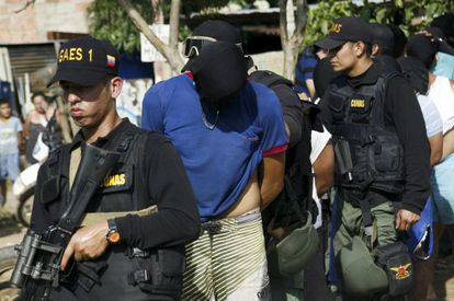 Expulsão de colombianos que viviam na Venezuela.