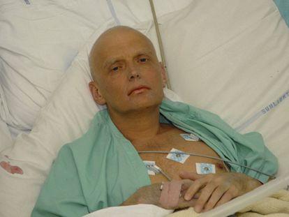 Alexander Litvinenko no hospital em Londres em 2006.
