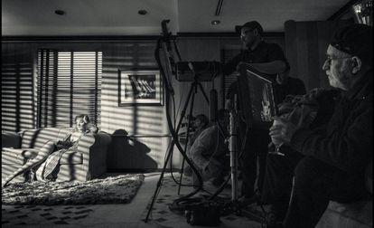 Gigi Hadid na história para o calendário Pirelli encara o papel de uma mulher de sucesso, que tem tudo, mas não está feliz com sua vida.