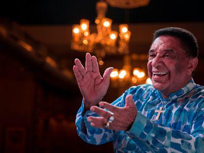 O cantor Agnaldo Timóteo.