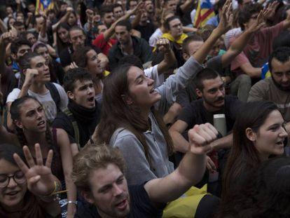 Manifestantes em Barcelona