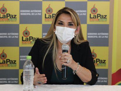 A presidente interina da Bolívia, Jeanine Áñez.