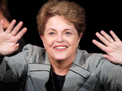 Decrépito torturador de almas, Bolsonaro não cabe no cargo que ocupa, nem cabe no Brasil