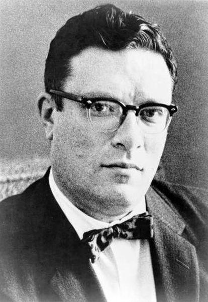 Asimov em uma foto publicada em 1965.