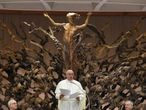 Pope Francis receives Vatican employees for presentation of Christmas greetings, at the Vatican, December 21, 2020. Vatican Media/?Handout via REUTERS ATTENTION EDITORS - THIS IMAGE WAS PROVIDED BY A THIRD PARTY.